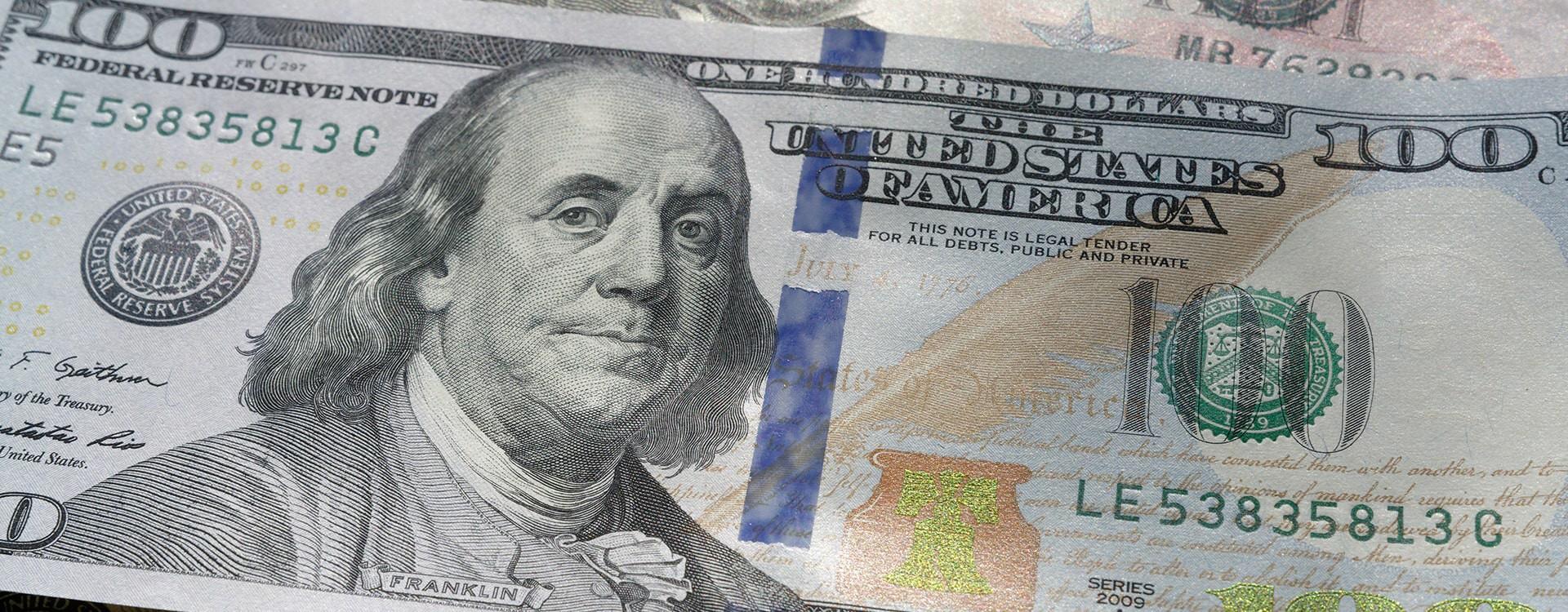 Pourquoi le dollar est la devise la plus utilisée dans le monde ?